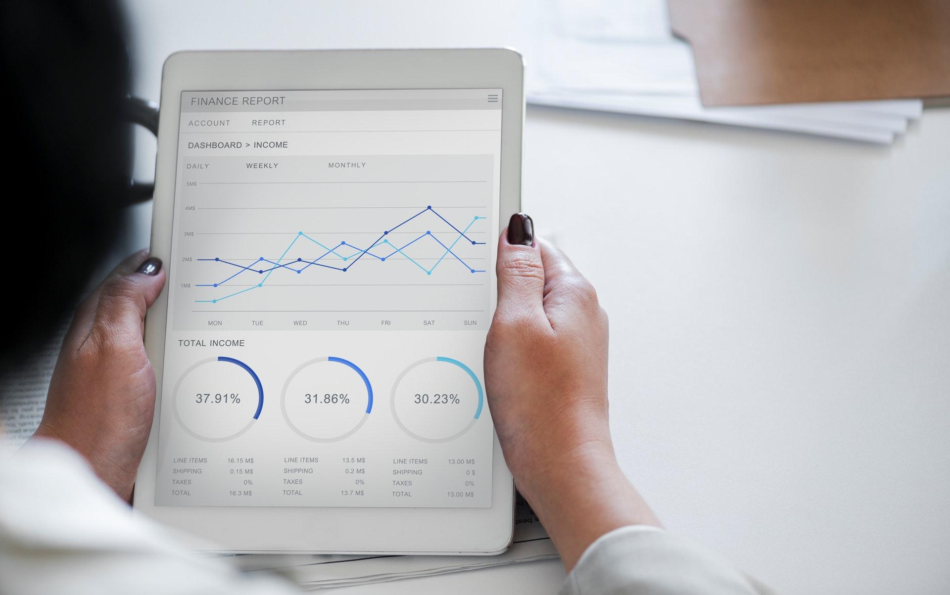analysis-businesswoman-chart-955447-2